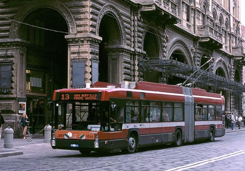 Foto generica di un atobus a Bologna